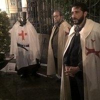La sorpresa a fine tour, l'incontro con i Cavalieri Templari