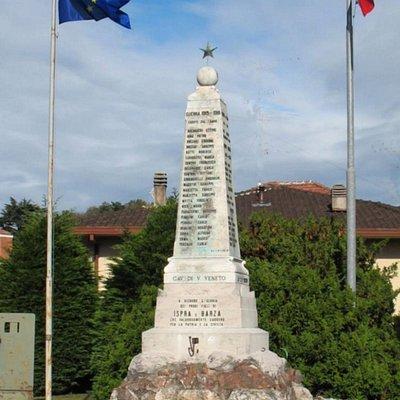 Monumentò ai caduti di Ispra e Barza