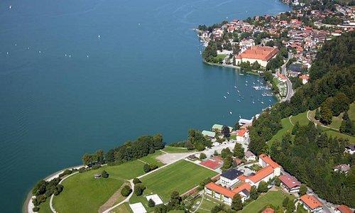 Tegernsee Stadt , Bucht und Brauhaus