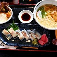 さば押し寿司定食930円(税込)。