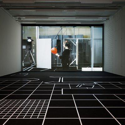 Installationsansicht TOWERᴹᴹᴷ, Forensic Architecture, 77sqm_9:26min, 2017, © Forensic Architecture, Foto: Axel Schneider