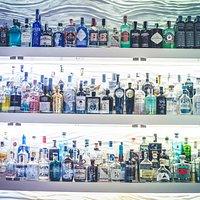 Loca Gintoneria e Cocktail Bar