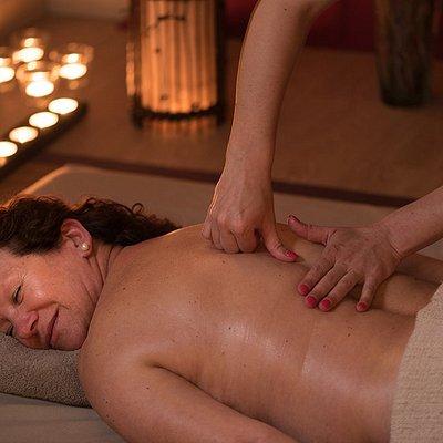 Nos preocupamos com o bem-estar dos nossos clientes e amigos. Venha experimentar uma Massagem Premium e surpreenda-se.