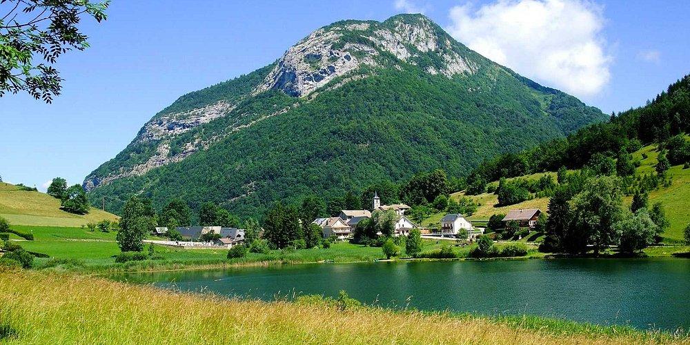 Lac de la thuile Savoie bauges