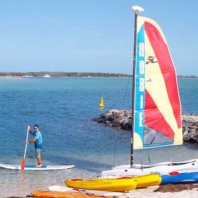 Paddleboarding, kayaking and sailing paradise with an island adventure on the side...