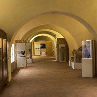 Sala Sigerico, Complesso Monumentale di Abbadia a Isola. Mostra dedicata alla civiltà etrusca in Valdelsa
