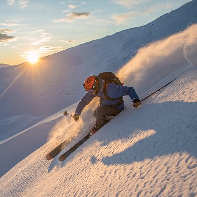 Chasing the sun. Ski: Ivar Løvik Photo: Håvard Nesbø