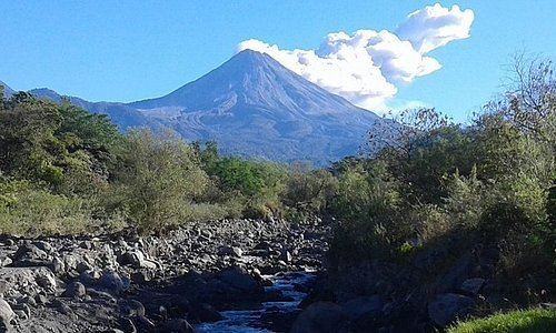 Colima Volcano Cultural Tour: Coffee Plantation, Hacienda and Comala Magic Town