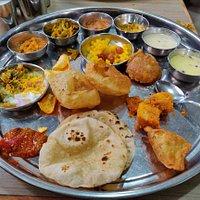 The Gujarati Thali served at Sasumaa