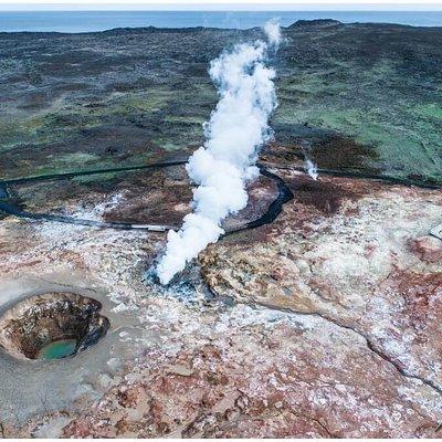 Gunnuhver Geothermal Area auf der Halbinsel Reykjanesbaer aus der Luft, aufgenommen mit der Drohne