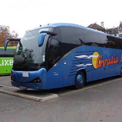 Der Flixbus ist links, nicht wirklich zu sehen.