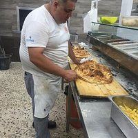 Il migliore pizzaiolo di Trapani gentile premuroso è sempre puntuale un grazie Antonio Ciolino !