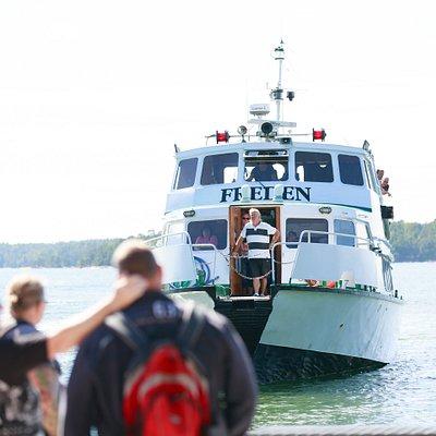M/S Freden kör mellan Västervik och Hasselö.