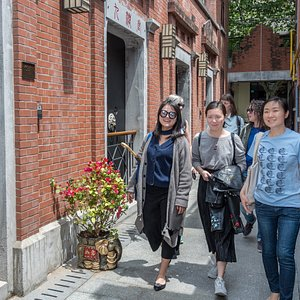 Explore the alleyways of Shanghai, and discover the best dishes hidden down the lanes.