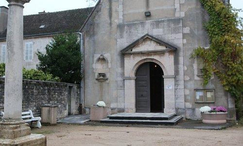 L'église date de 1458 et restaurée en 1830