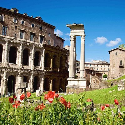 A ROMAN LANDSCAPE: Teatro Marcello and the Jewish Ghetto in the Background. It is beautiful to walk throughout Rome in a sunny day, while taking a photo tour and workshop to photograph its beauty and history.
