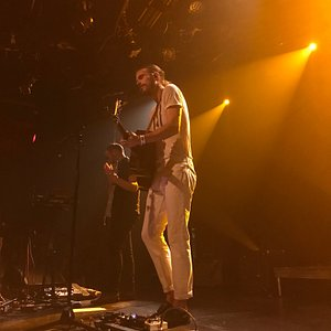Reuben and the Dark playing at L'Astral on 11/17/18.