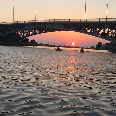 Rent kayaks in Lorain for a sunset cruise
