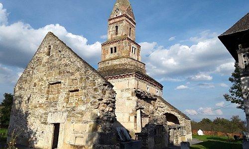 La chiesetta di Densus (Transilvania) raccoglie 18 secoli di storia. La più antica chiesa ancora in funzione di tutto il Nord europa.