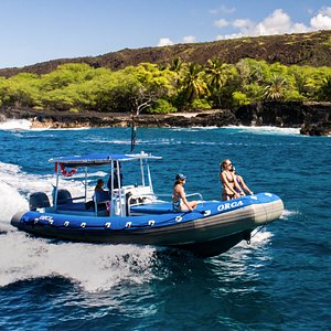 On the way to Snorkel K-Bay and Visit Captain Cook Monument