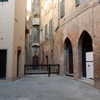 Courtyard outside the Contrada Civetta headquarters