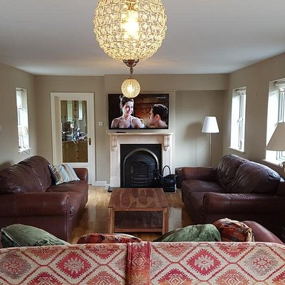 Swallows Retreat ideal for large groups or big families. Can sleep up to 18 people. Large entertainment room with Pool Table, TV and open Fire.