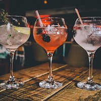 Catch up with friends, have some hearty home-cooked food, and unwind with huge gin selection!