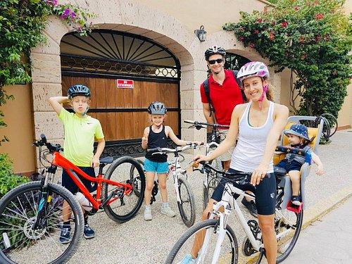 Nos encantan las familias apasionadas por el ciclismo. ¡todos son bienvenidos!