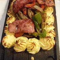 Plankebøf med kartoffelmor (hakkebøffer)