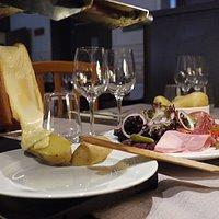Veritable raclette AOP de Savoie au lait cru