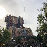 When co-workers and friends ask me what was the greatest part of my Disneyland and California Adventure trip, I tell them the Guardians of the Galaxy – Mission: BREAKOUT! ride. Hands down, best ride in both parks!