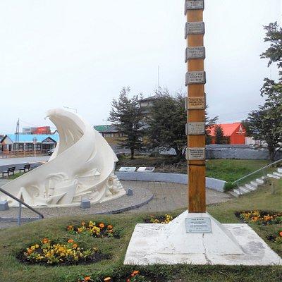 Monumento Antiguos Pobladores de Ushuaia
