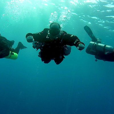 Les ofrecemos un servicio de calidad, donde el buceo seguro y entretenido es nuestro lema.