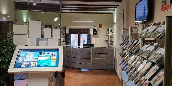 Vista parcial de la Oficina Comarcal de Turismo.