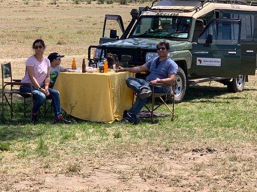 picnic lunch in maasai mara
