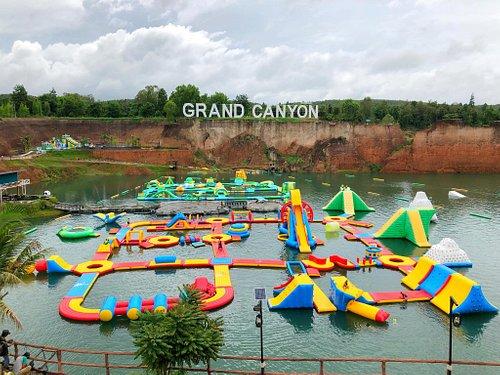 biggest inflatable aqua park