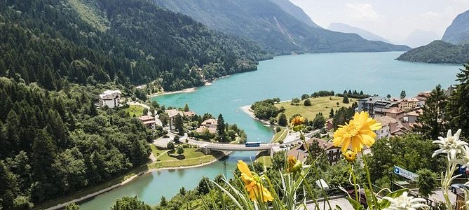 Lake Molveno: Authentic Boat-Fishing Experience with a guide