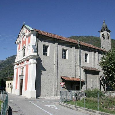 La Chiesa di San Giorgio nell'omonima piazza a Losone.