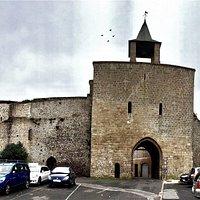 Pour entrer dans la ville médiévale et débuter votre randonnée.
