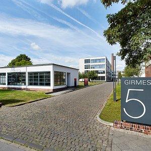 Speditionshaus und HE-Gebäude von Mies van der Rohe der ehemaligen Verseidag von 1931