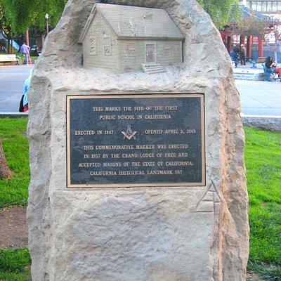 Commemorative sculpture unveiled in 1957