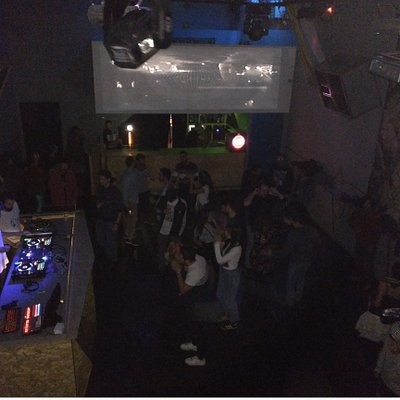 fiesta música electrónica
