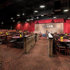 Comedy club features big names & up-and-comers, plus offers a full food & drink menu.