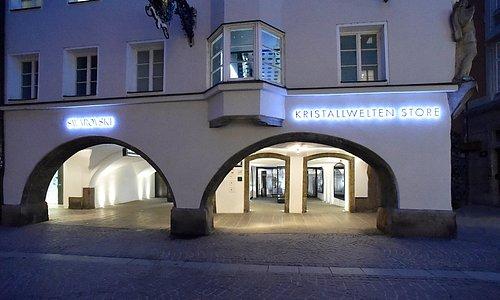 Außenansicht Swarovski Kristallwelten Store Innsbruck.