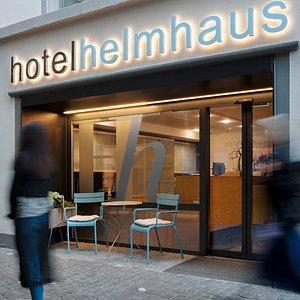 Das Hotel Helmhaus liegt in der Fussgängerzone mitten in der Altstadt von Zürich beim Grossmünster.