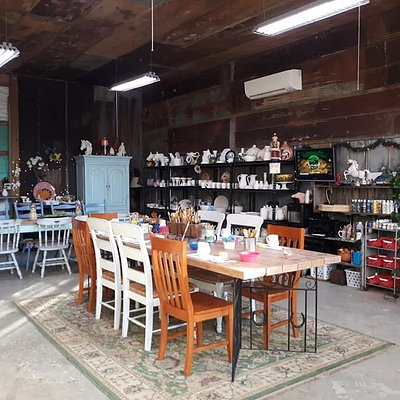 A great place for friends and family to create Masterpieces! Call to schedule your Paint Time!