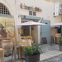 Dans cette rue pas très grande, un restaurant à découvrir où traditions et produits du marché se marient à la perfection.