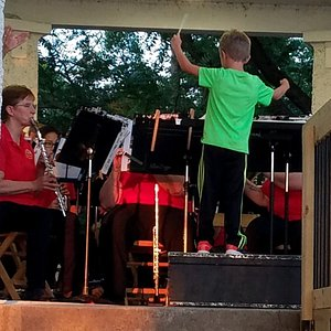 Alton Municipal Band preserves its rich heritage of Concerts in the Park, since 1891.  Concert-goers enjoy weekly themed concerts by area top musicians during the summer on Thursdays at 8pm, beginning the 2nd Thursday after Memorial Day.  An unforgettable place to enjoy an evening of music overlooking the river.  Each week Jojo the clown picks a lucky child to conduct a march and then leads a parade around the park. Great fun for kids and family.