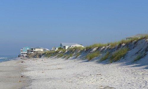 Beachfront homes and big while beach