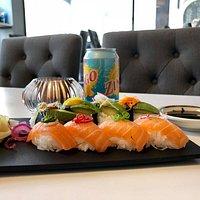 50-50 sushi - Lax Avokado
